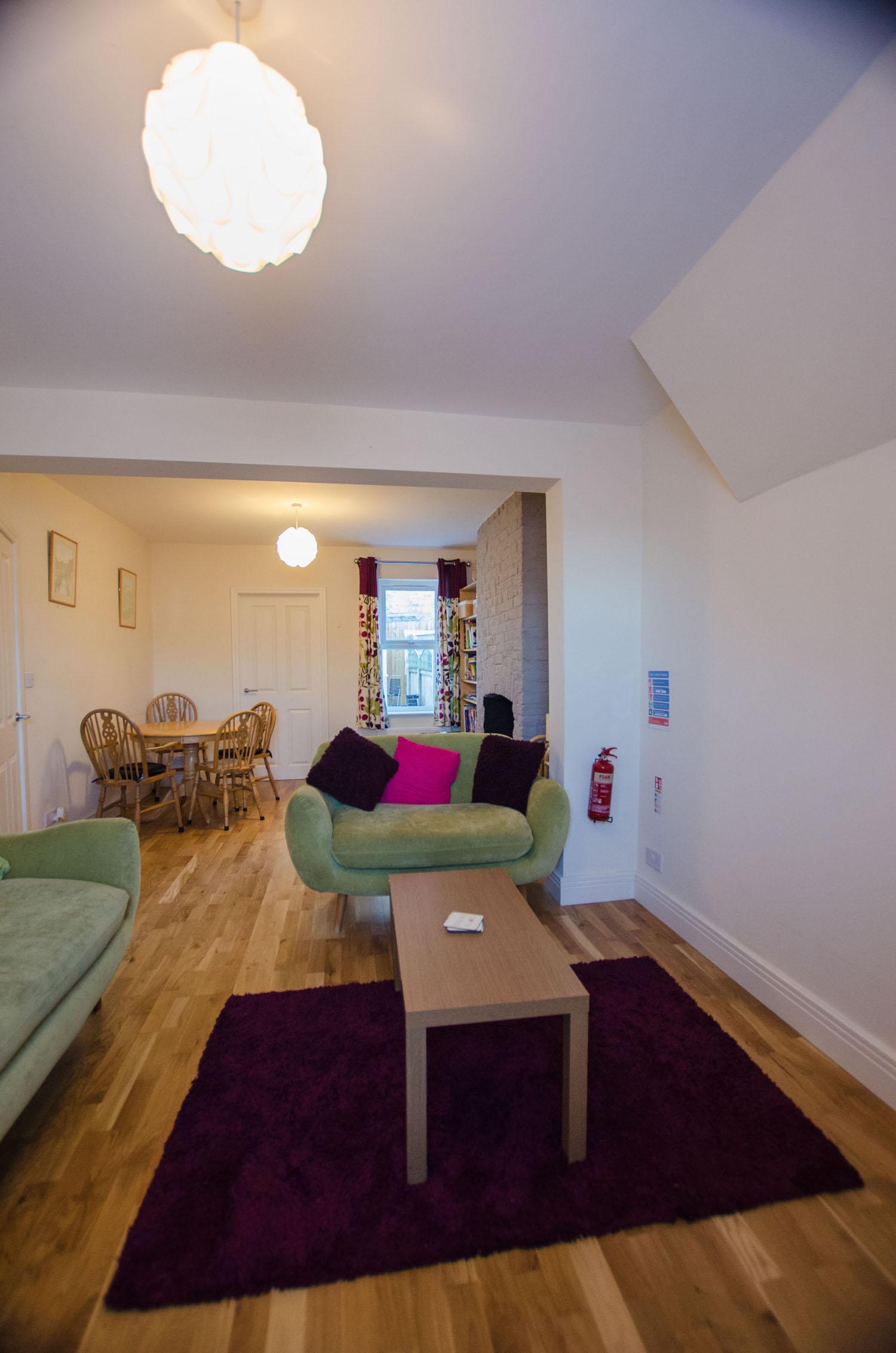 Cromwell Lounge 2
