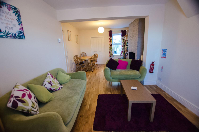 Cromwell Lounge 3