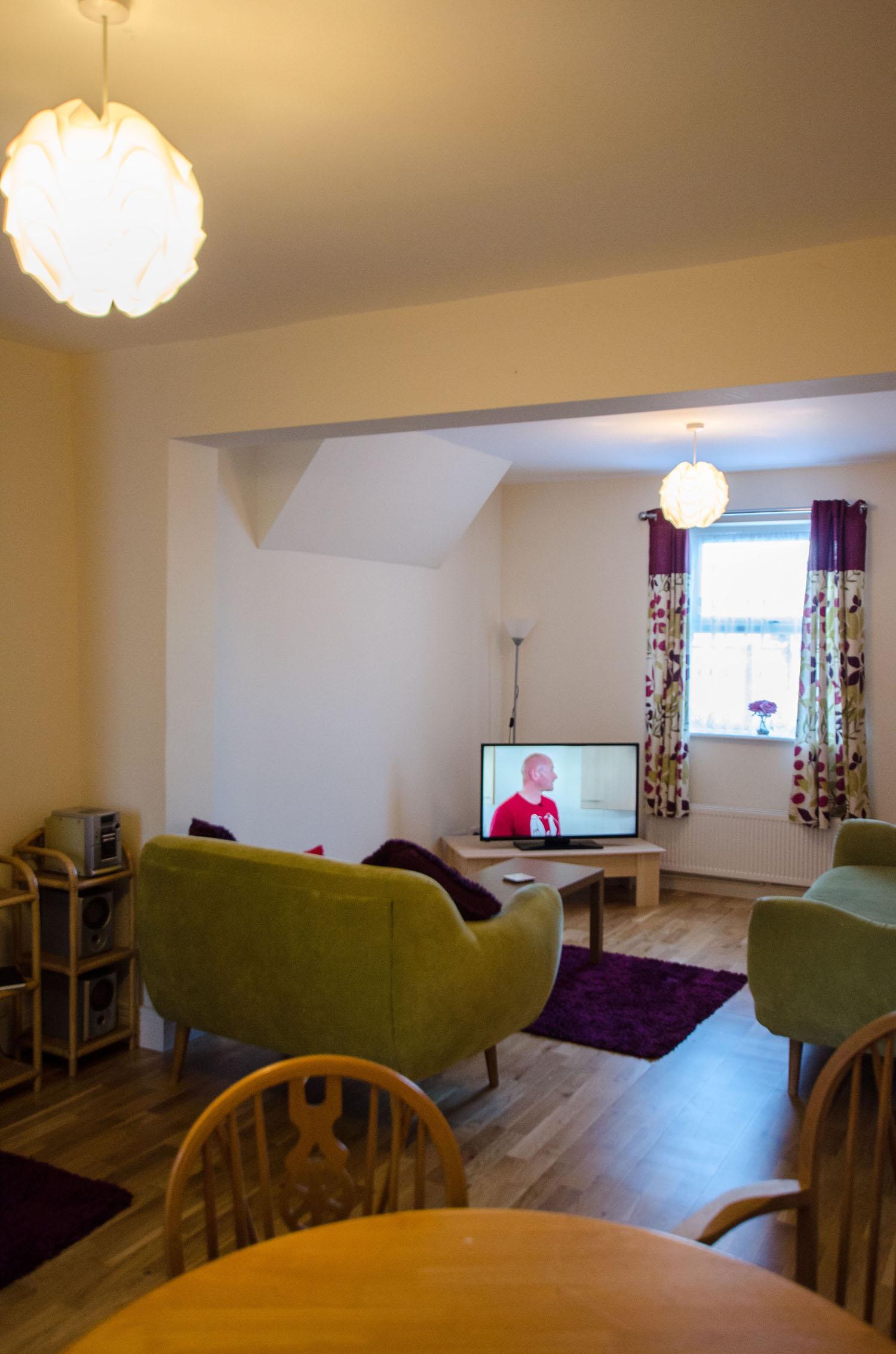 Cromwell Lounge 4
